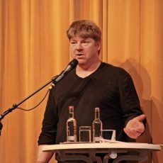 Ein Plattschnacker vom platten Land: Butenplöner Matthias Stührwoldt im Interview