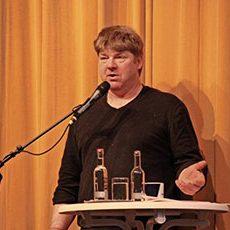 Ein Plattschnacker vom platten Land: Butenplöner Matthias Stührwoldt