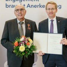 Dr. Alfred Heggen bekommt Verdienstkreuz