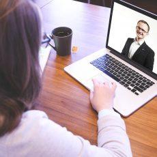 Unterstützung für Interviews mit Ehemaligen gesucht